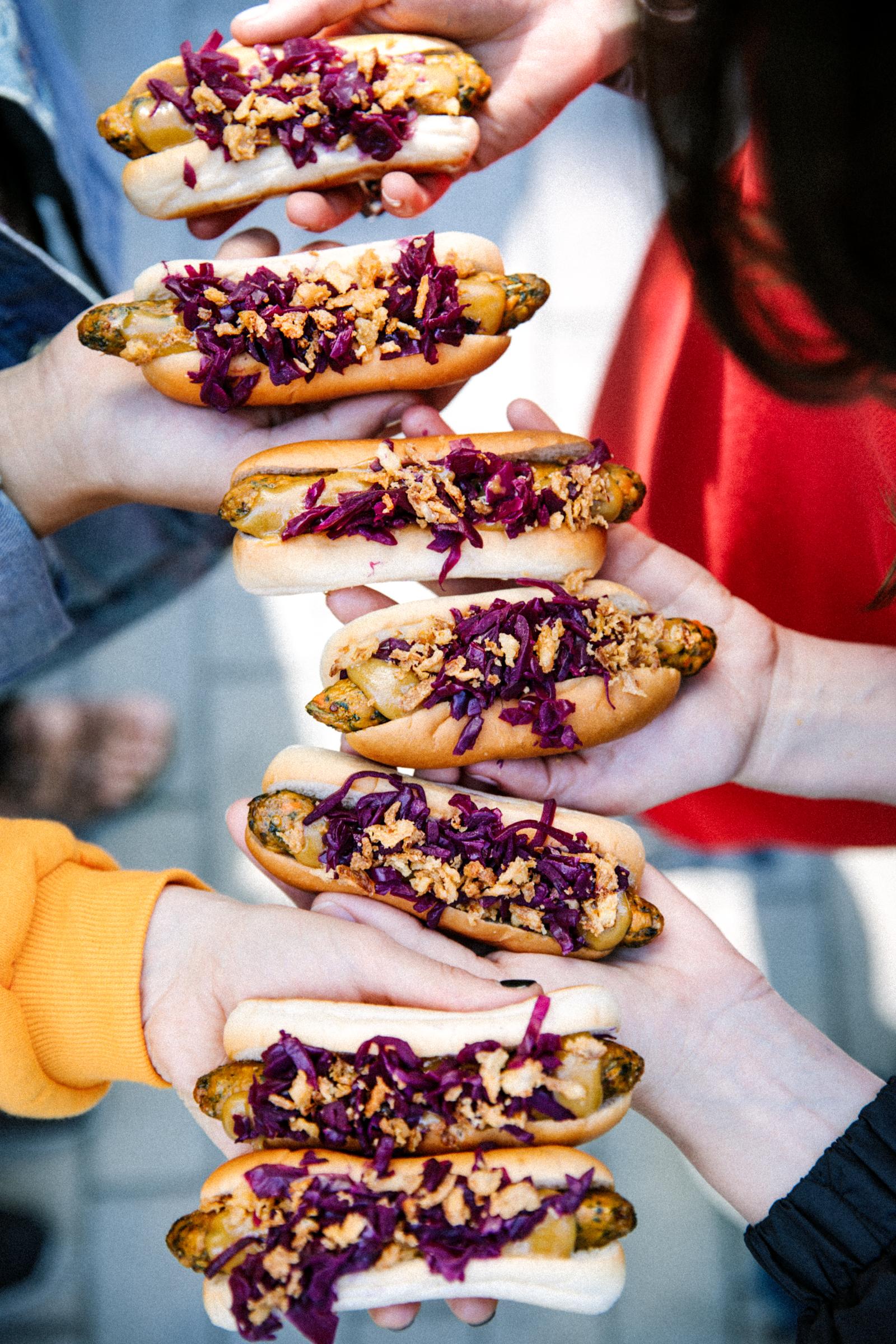 hot dog wegański IKEA